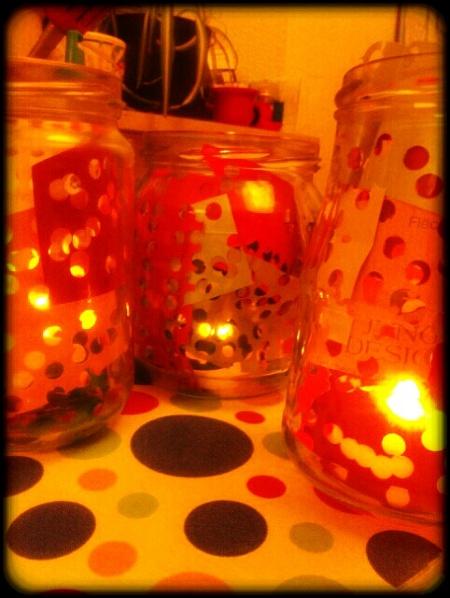 Konfetti Laternen mit elektrischen Teelichtern