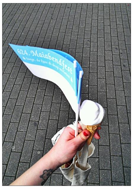 Maigesellschaft Bochum Blau Weiß und Zitroneneis