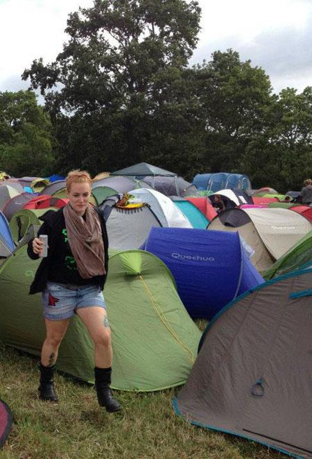 Ellen beim Camping @ Hellfest 2012, France