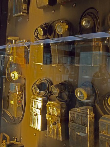 Alte Grubenlampen im Deutschen Bergbaumuseum Bochum