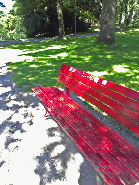 Rote Bank im Stadtpark Bochum