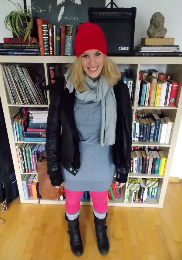 Ellen vom Blog Huckleberry mit pinker Mützer