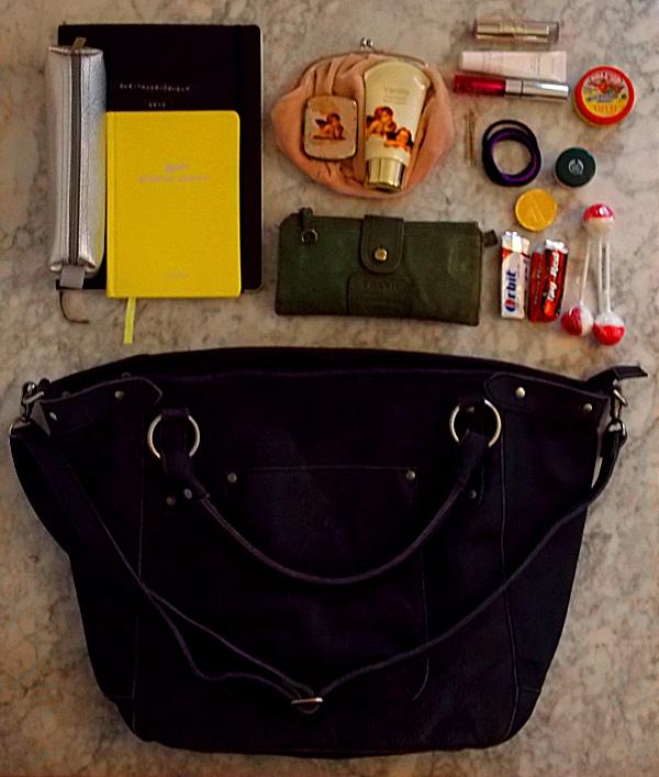 Der Inhalt meiner Handtasche von Cowboysbag
