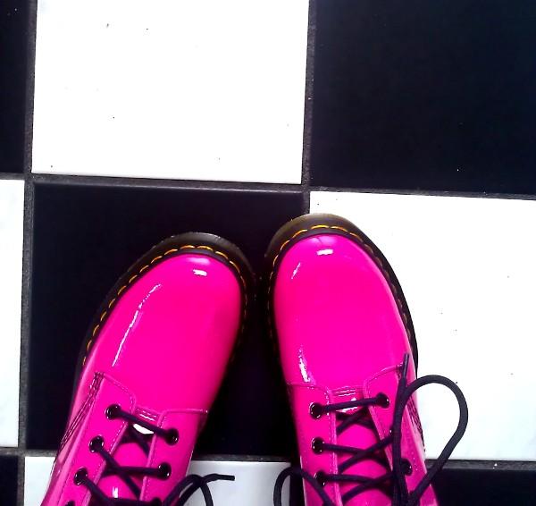 Pinke Boots von Dr. Martens